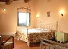 camera doppia con bagno privato in agriturismo corzano a Barberino di Mugello